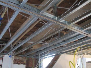 Metalstud plafond sterk genoeg voor afzuigkap