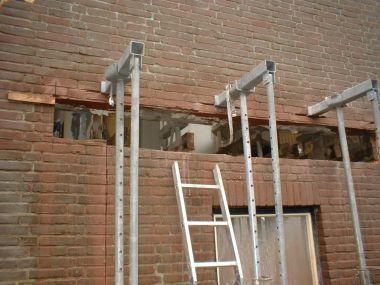 Opvangen muur tijdens sloop