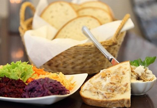 Brot mit Hausgemachter Schmalz