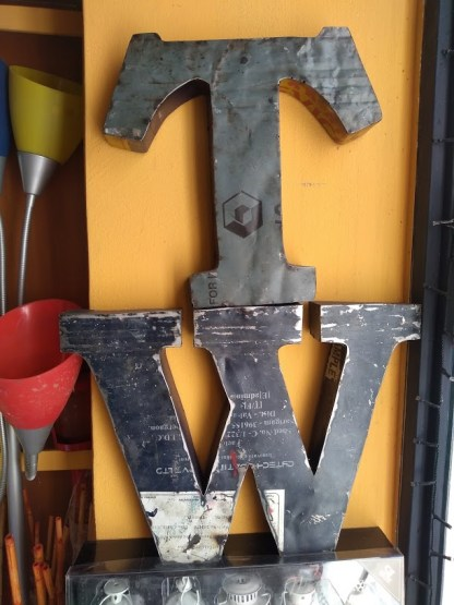Lettera-Metallo-Original-Industrial-KMV-Home-Store-stocKMarket