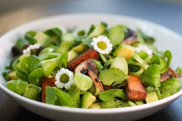 (Nejen) Nízkosacharidový recept: Letní salátek v asijském stylu
