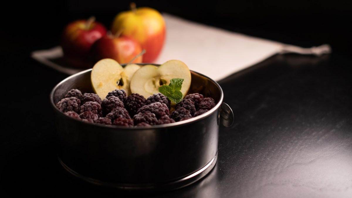 Nepečený jablečný koláč – rychlá dobrota na návštěvu. #AIP, raw, paleo, ne-moc-striktni-low-carb recept