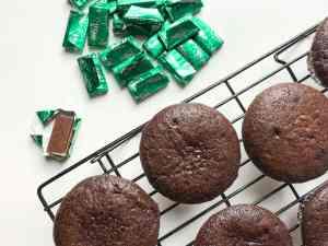 Mint Chocolate Cheesecake Cupcakes