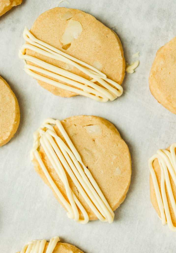 macadamia nut shortbread drizzled with white chocolate