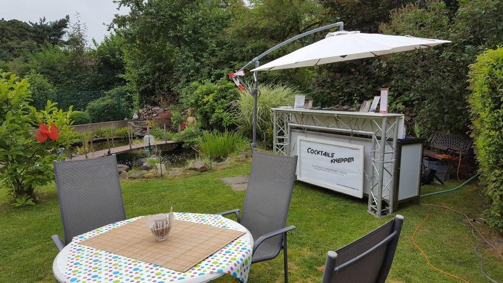 Knepper Management - Mobile Cocktailbar im Garten