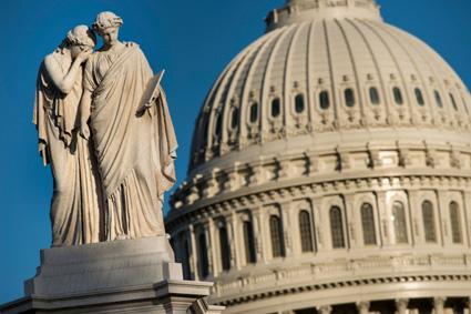 Wanbetaling door de VS is afgewend. In de Senaat zijn de leden van beide kampen tot een akkoord gekomen. (Foto    AFP)