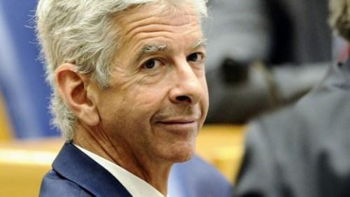 Plasterk stuurt secretaris-generaal naar Sint Maarten