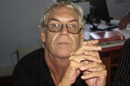 Hedenochtend is de zeer geliefde en getalenteerde auteur, columnist, journalist, Neerlandicus Hans Vaders overleden   Foto Dick Drayer