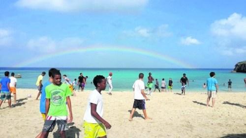 Een regenboog kleurde het schooluitje van de leerlingen van Marnix College