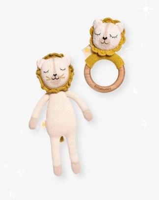 Mordedor y peluche de leon artesanales