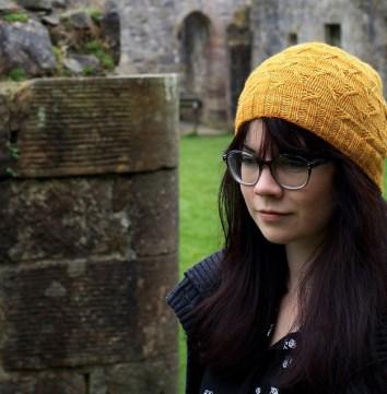 Amanda Collins in her Bulgurwheat hat. © Amanda B Collins