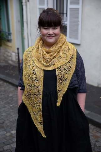 The posy shawl can be knit in 4ply or worsted!