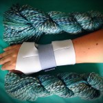 carpal tunnel brace with yarn