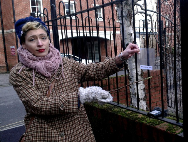 02_play_the_railings