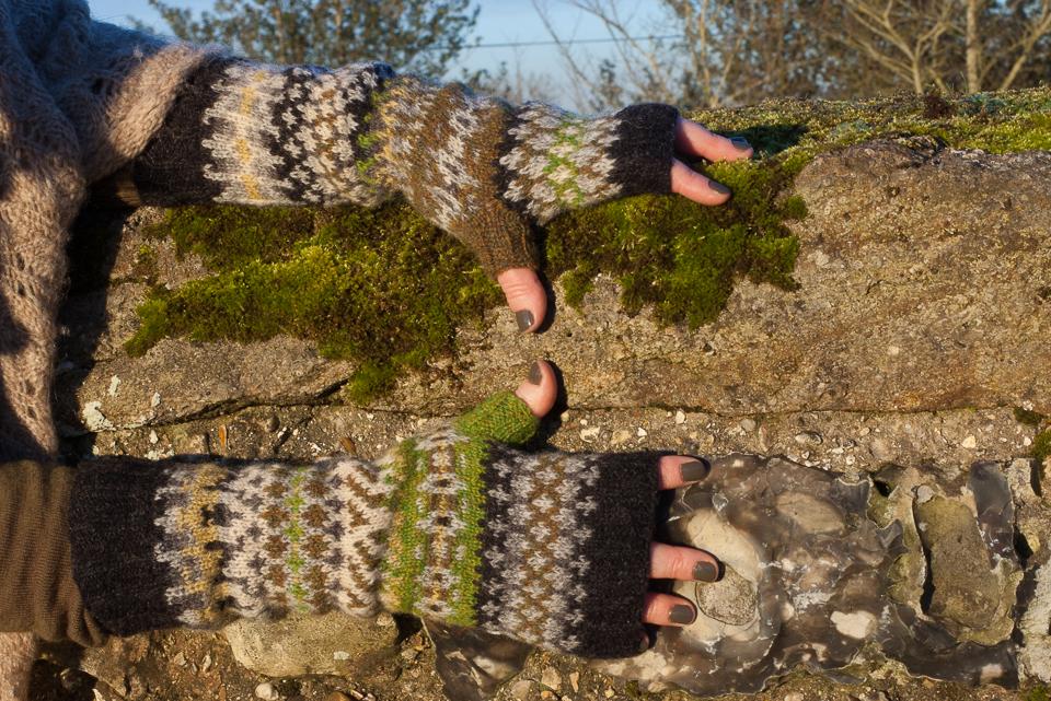 a totally natural wall-massaging posture