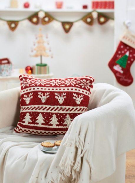 Scandi Christmas Cushion  Free Knitting Pattern