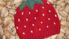 Knitted strawberry baby hat pattern