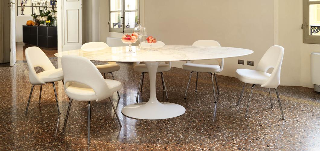 Saarinen Dining Table  Oval  Knoll