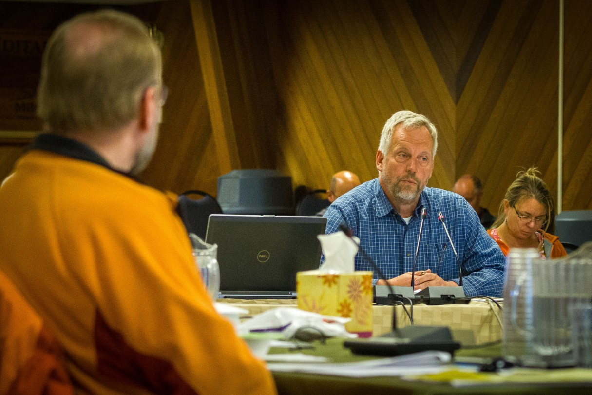 Nome resident and NSEDC fisheries advisor Charlie Lean addresses the North Pacific Fisheries Management Council science committee Monday. Photo: Matthew F. Smith, KNOM.