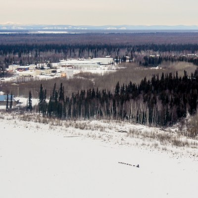 An aerial view of Michelle Phillips mushing towards the Galena checkpoint