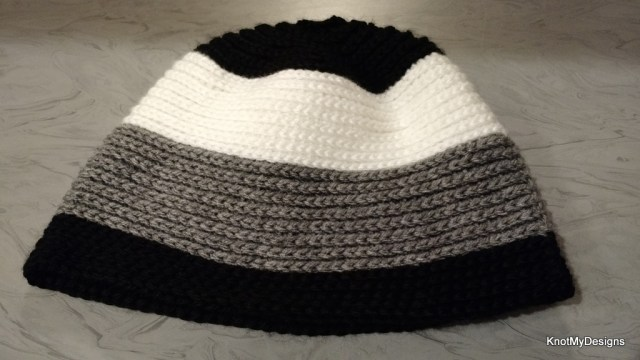 Winter/Fall Seasoned Crochet Knit Style Beanie Free Pattern for an adult man - Knot My Designs