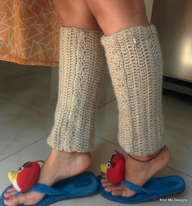 Crochet SkinBrow Legwarmer Free Pattern for winter/Fall season for any adult woman - Knot My Designs