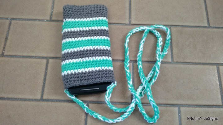 Crochet Unspiked Mobile Phone Case Free Pattern with string handle for everyday walk - Knot My Designs
