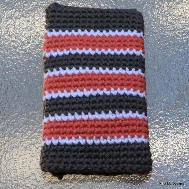 Crochet Spiked Mobile Phone Case Free Pattern with string handle for everyday walk - Knot My Designs