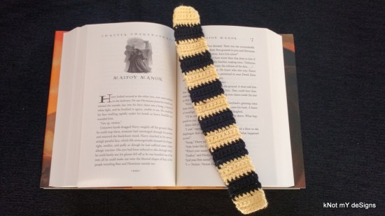 "Hogwarts House ""Hufflepuff"" Scarf Bookmark Free Pattern for Harry Potter Novel Series lover! - Knot My Designs"