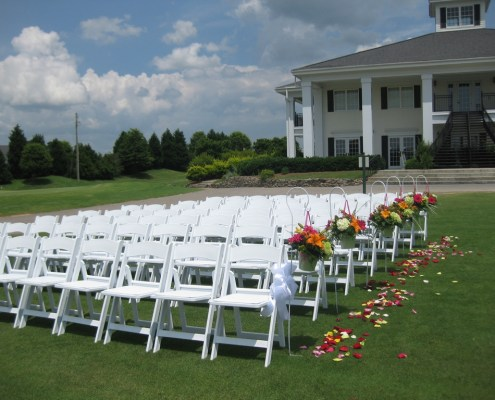 As a Raleigh Wedding/Event Planner and owner of Knots 'N Such Event Planning & Design, I understand how important finding the perfect venue is. River Ridge Golf Club offers a lovely outdoor space for ceremonies.