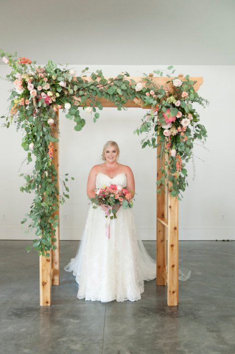 bride-ceremony-arch