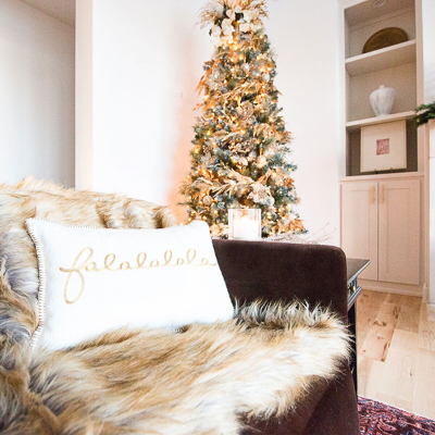 christmas-living-room-by-cc-and-mike
