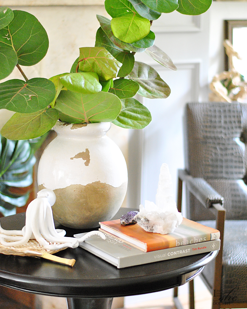 Round coffee table styling