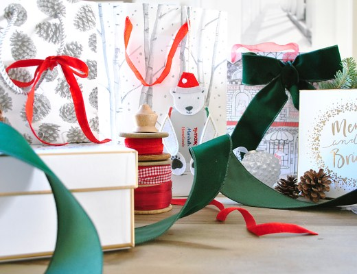 Last minute personalized gift and wrapping options feature image