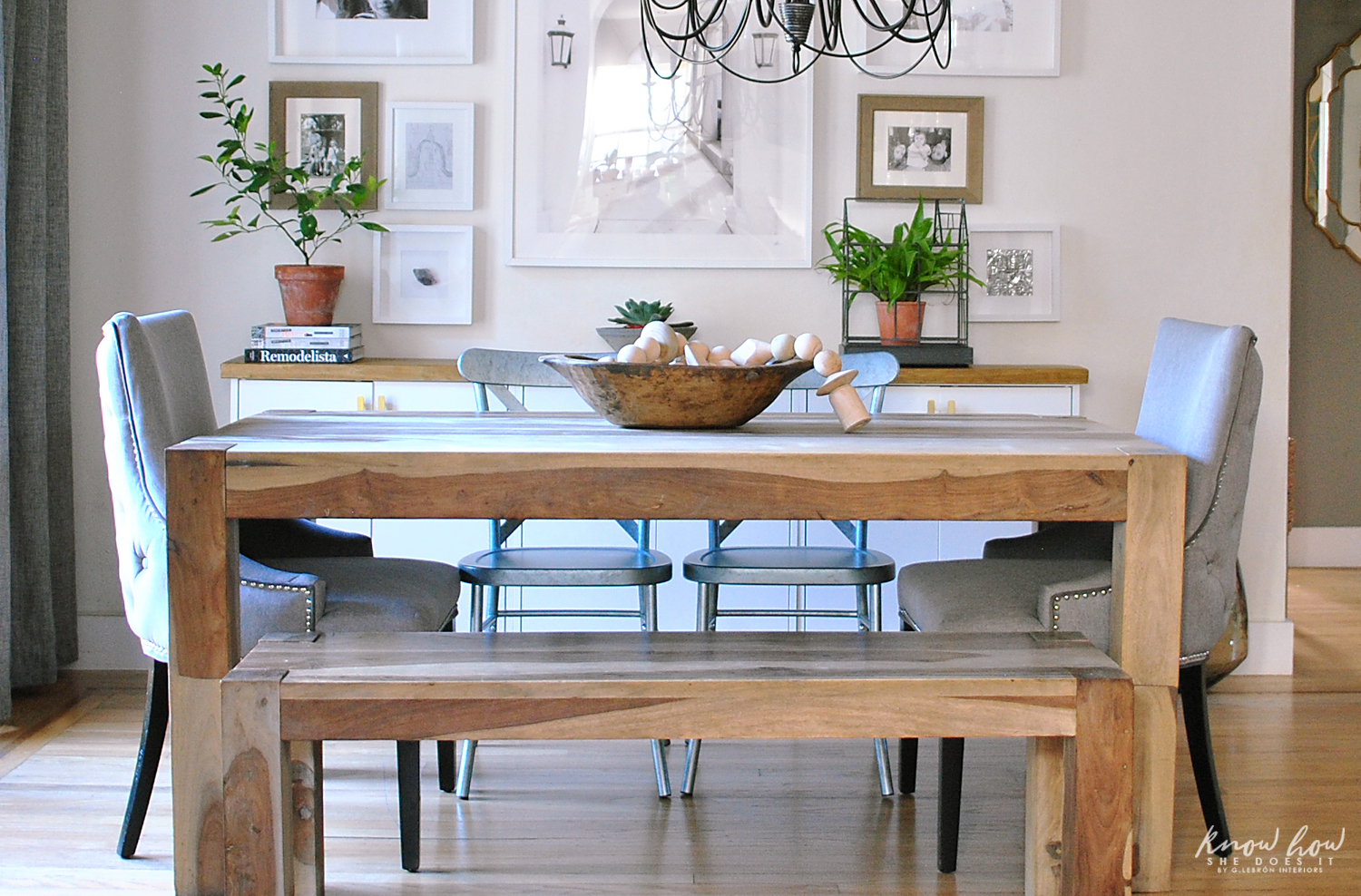 simple dining room decor for a transitional season rh knowhowshedoesit com simple dining room table decor simple dining room table centerpiece ideas