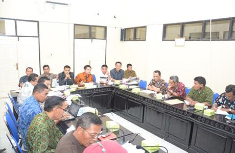 Komisi II Minta Pemerintah Konsisten Dengan RPJMD