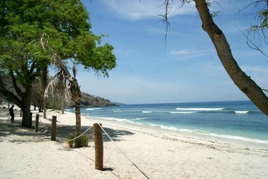Maraknya Praktik Nominee Akibatkan Pesisir Pantai Jelengah Dikuasai WNA