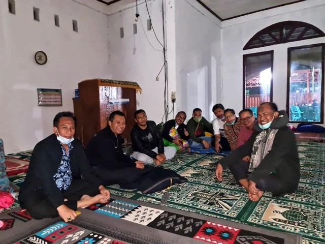 Gubernur NTB Tidur di Masjid
