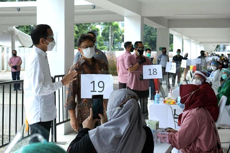 Pemerintah Gelar Vaksinasi Massal Untuk Percepat Capaian Target Vaksinasi Covid-19