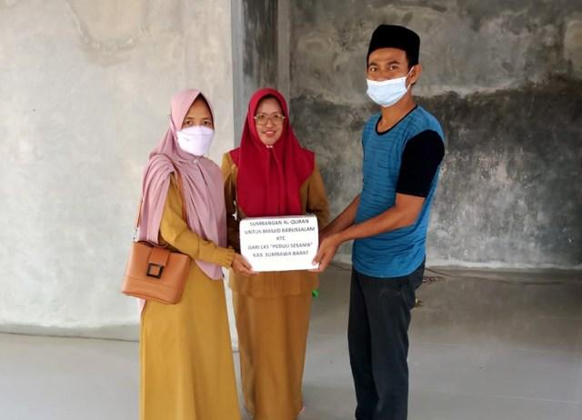 LKS Peduli Sesama KSB Bantuan Mushaf Al Quran Untuk Masjid Babussalam Kecamatan Taliwang