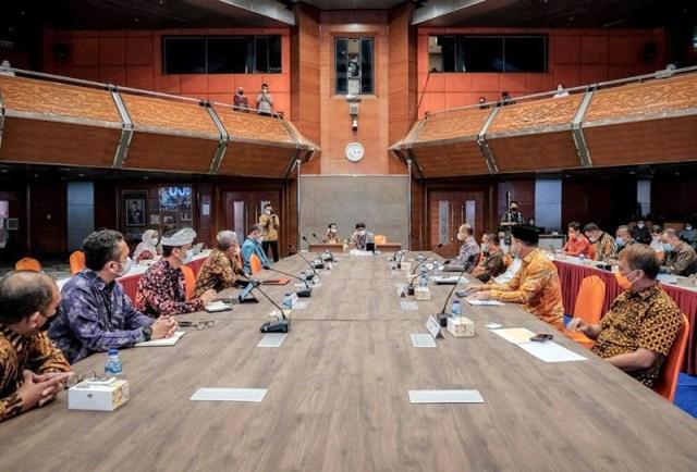 Sandiaga Uno Rapat dengan Kepala Daerah Se Indonesia