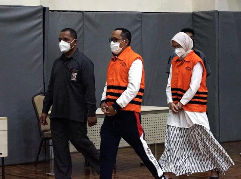 Bupati dan Suami Ditangkap KPK, Uang Rp 362,5 Juta Hasil Jual Beli Jabatan Disita
