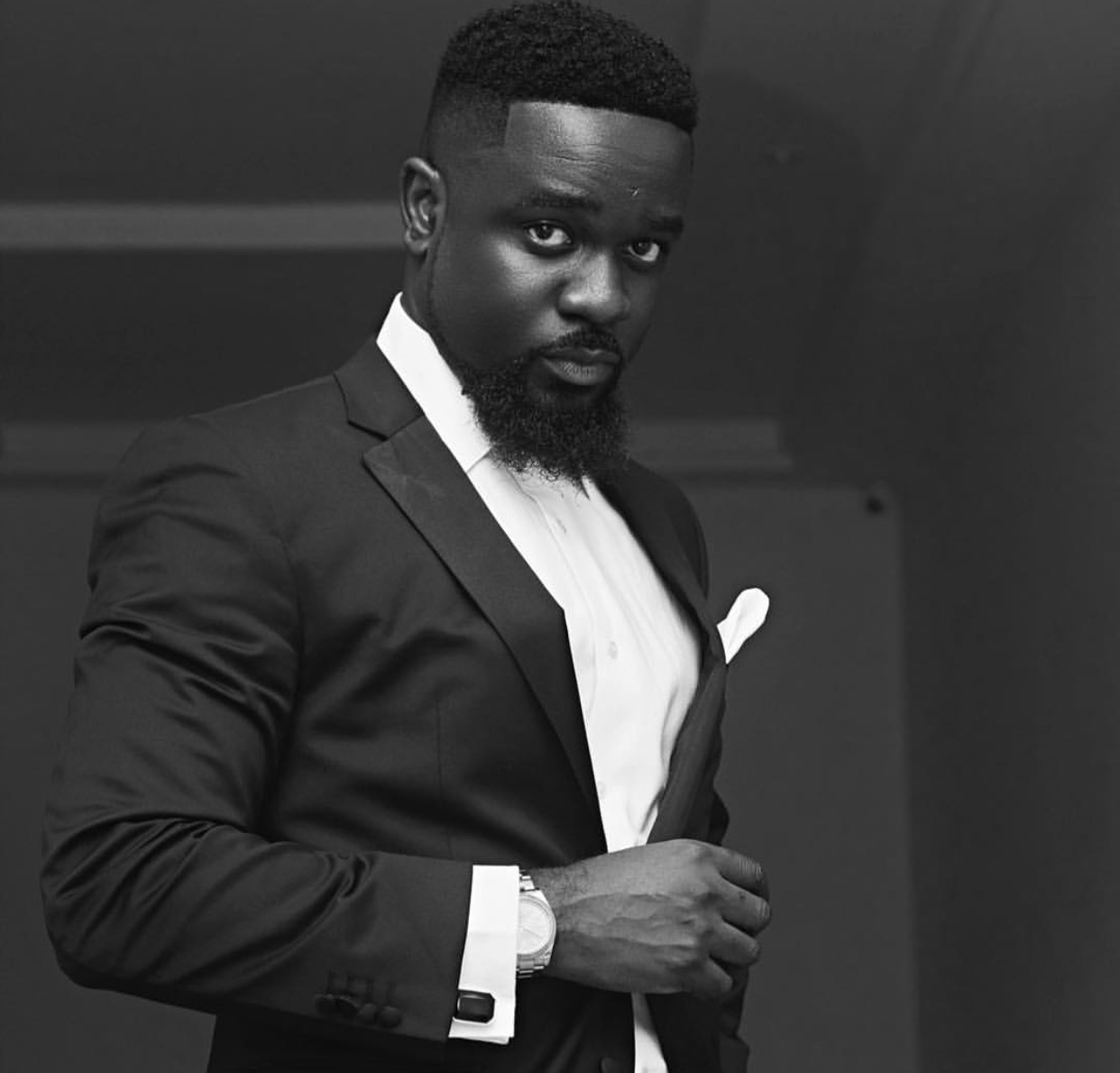 You are currently viewing LET'S PROJECT OUR CONTINENT AS AFRICAN ARTISTS – SARKODIE
