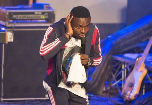 Comedian Waris Sends Patrons into frenzy at Easter Comedy Show 2019.