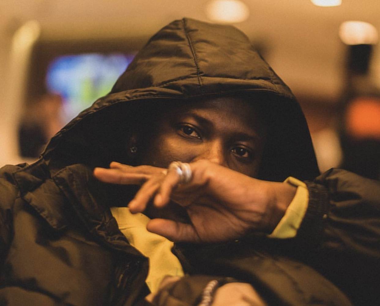 """Stonebwoy Replies Shatta Wale, says he's """"Still Taking Pictures"""" in Jamaica"""