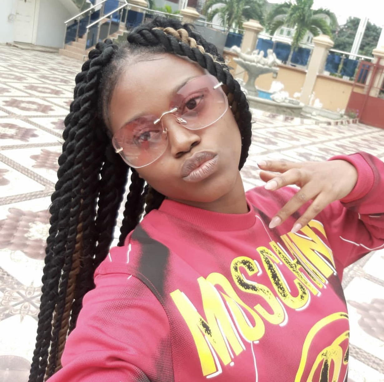 I don't mind having an intimate relationship with my manager – eShun