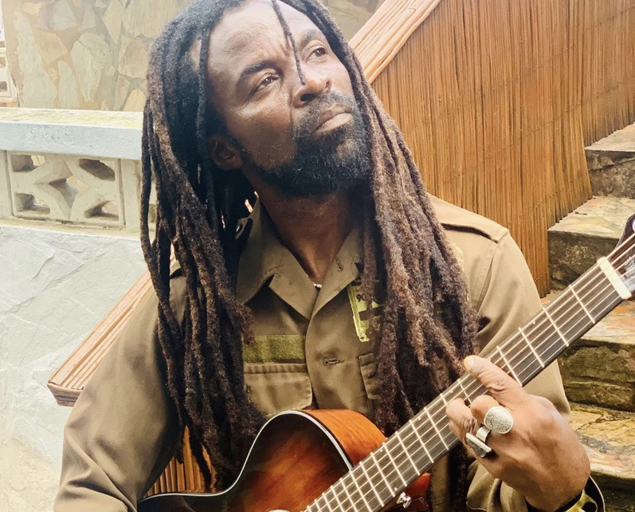 Rocky Dawuni to embark on a global  plastic-free campaign