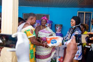 Coronavirus: Queen eShun Donates Items To People of Gomoa Afransi