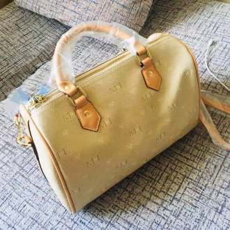 High Quality classy ladies handbag from KobisMarket
