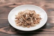 煮物には煮物専用の風味濃厚な削り節がぴったり!煮物からうどん蕎麦だしにも煮物専用だし節